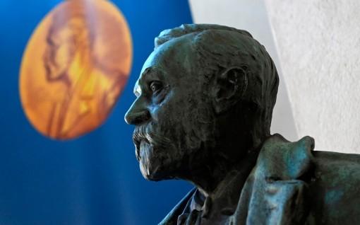 Trước thềm giải Nobel Văn học 2020: Ai sẽ giành chiến thắng?