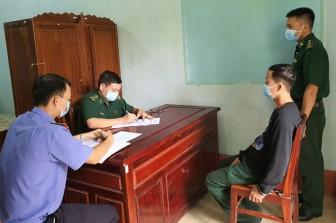 Bắt giữ 10 đối tượng có hành vi xuất cảnh trái phép sang Lào