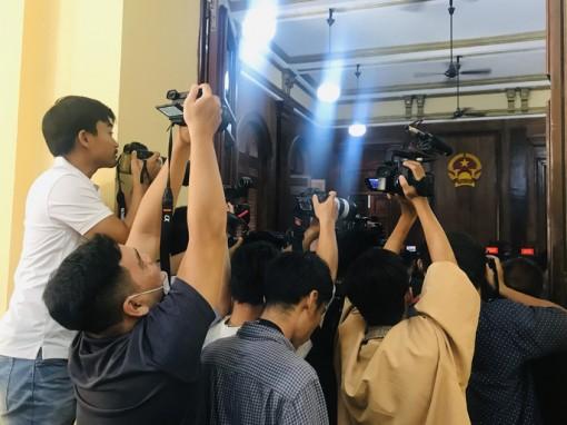 Đe dọa nhà báo sẽ bị xử thế nào?
