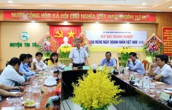 Tri Tôn họp mặt doanh nghiệp chào mừng ngày Doanh nhân Việt Nam