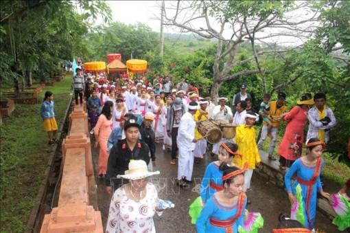 Rộn ràng Lễ hội Katê của đồng bào Chăm tại Bình Thuận