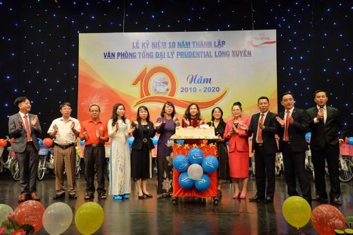 Văn phòng Tổng đại lý Prudential Long Xuyên tổ chức lễ kỷ niệm 10 năm thành lập