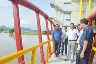Phó Chủ tịch UBND tỉnh An Giang Trần Anh Thư kiểm tra công tác phòng, chống thiên tai tại huyện Tịnh Biên, Tri Tôn