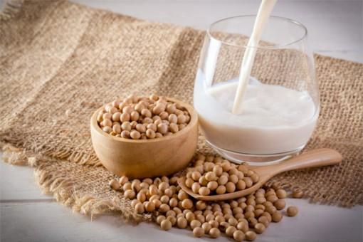 Sữa đậu nành bổ dưỡng nhưng sẽ gây hại khi uống sai cách