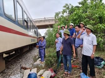 Đường sắt Bắc-Nam thông tuyến, sẵn sàng vận chuyển miễn phí hàng cứu trợ đến miền Trung