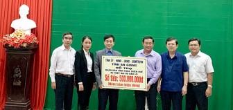 An Giang hỗ trợ hơn 2,1 tỷ đồng cho các tỉnh miền Trung bị ảnh hưởng do thiên tai