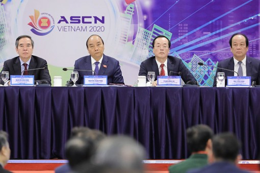 Thủ tướng Nguyễn Xuân Phúc dự Diễn đàn cấp cao về Đô thị thông minh ASEAN 2020