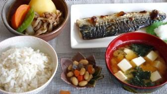 Sống lâu, sống khoẻ như người Nhật với phương pháp 'đảo thực đơn'