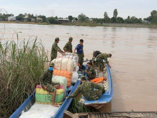 Bộ đội Biên phòng An Giang bắt giữ lô hàng nhập lậu, trị giá 50 triệu đồng