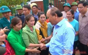 Thủ tướng Nguyễn Xuân Phúc làm việc với các tỉnh miền trung về công tác khắc phục hậu quả mưa lũ