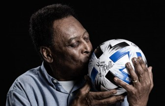 """Làng túc cầu thế giới chúc mừng sinh nhật 80 của """"Vua bóng đá"""" Pele"""