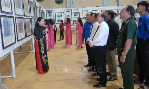 Triển lãm bản đồ và trưng bày tư liệu 'Hoàng Sa, Trường Sa của Việt Nam' tại Phú Yên