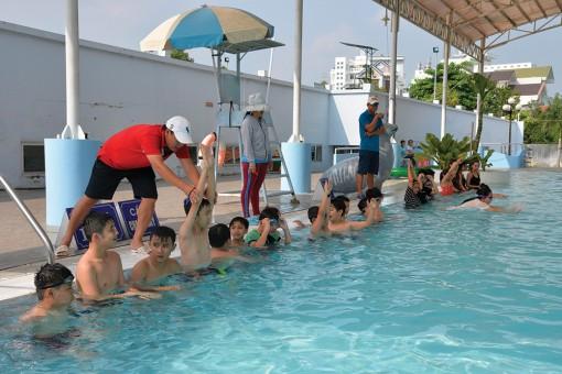 Tăng cường công tác phổ cập bơi cho trẻ em