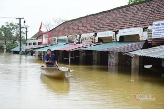 Chuyên gia lý giải việc miền Trung hứng mưa lũ dồn dập trong tháng 10