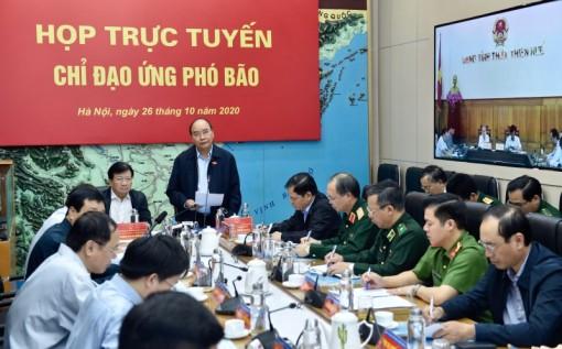 Thủ tướng Nguyễn Xuân Phúc chỉ đạo công tác ứng phó bão số 9