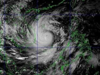 Rạng sáng 28-10, bão số 9 tiến vào vùng biển Đà Nẵng - Phú Yên