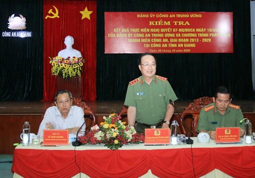 Thứ trưởng Nguyễn Văn Thành thăm và làm việc với Công an tỉnh An Giang