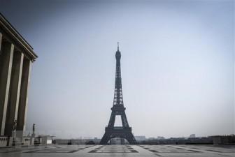 Pháp sơ tán một số khu vực ở Paris vì phát hiện túi chứa đạn