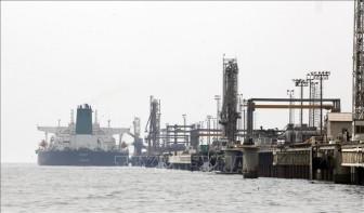 Giá dầu thế giới đi lên