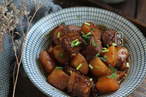 Bí quyết hầm thịt bò thơm phức, mềm tơi