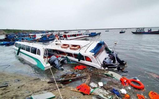 Bão số 9 tàn phá Nam Trung Bộ và Tây Nguyên