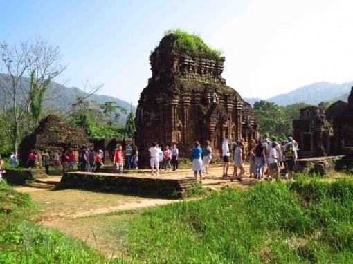 Lượng khách quốc tế đến Việt Nam trong tháng 10 tăng 7,6%