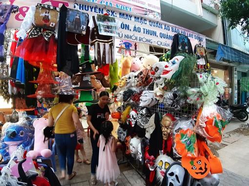 Nhộn nhịp thị trường Halloween