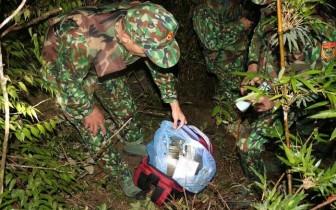 Truy bắt nhóm đối tượng bỏ lại 30 bánh heroin bỏ trốn