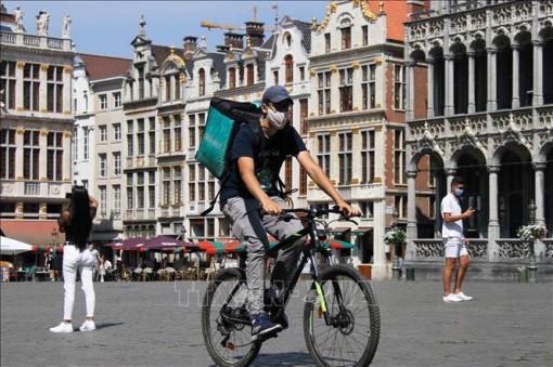 Bỉ 'phong tỏa nghiêm ngặt' trong 6 tuần
