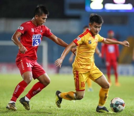 Cuộc chiến trụ hạng: Nam Định hay Quảng Nam phải chia tay V-League?