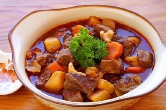 Hầm thịt bò cực nhanh nhờ thìa gia vị đơn giản
