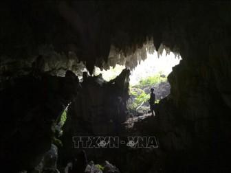 Khám phá kiệt tác hang động Thẳm Khến trên cao nguyên đá Tủa Chùa