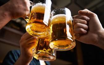 Uống rượu bia trong giờ làm việc bị phạt tiền đến 3 triệu đồng