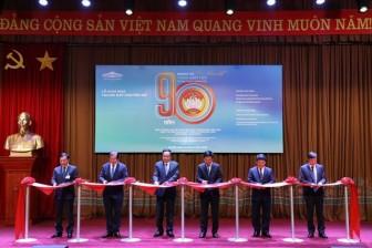 Khai mạc trưng bày chuyên đề '90 năm- Ngọn cờ đại đoàn kết toàn dân tộc'