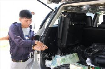 Bắt quả tang đối tượng vận chuyển 17 kg ma túy từ nước ngoài vào Việt Nam