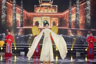 5 Hoa hậu kết hợp trình diễn áo dài trong đêm chung kết Hoa hậu Việt Nam 2020