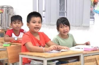 Giảm trên 1.000 trường công lập trong năm học 2019-2020