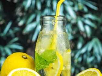 7 lợi ích của việc uống nước chanh vào buổi sáng