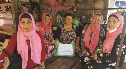 Phụ nữ Chăm chung tay vì cộng đồng