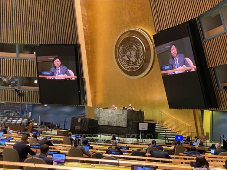 ĐHĐ LHQ Khóa 75 thông qua Nghị quyết về hợp tác ASEAN - LHQ do Việt Nam thay mặt ASEAN chủ trì đề xuất