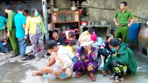 Tri Tôn: Nhiều nam, nữ tham gia lắc tài xỉu bị bắt