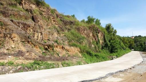 Làm đường bê-tông vào khu Soài Chek phục vụ du lịch
