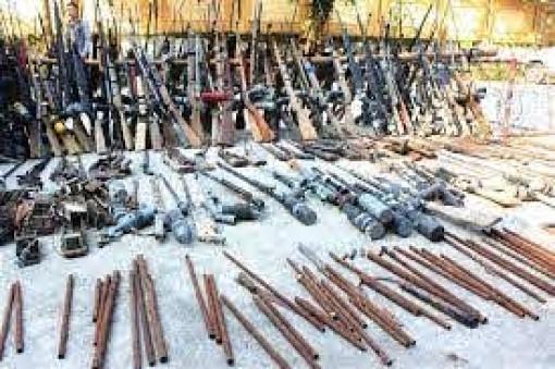 Thành phố Hồ Chí Minh: Phát hiện đối tượng tàng trữ hàng trăm công cụ hỗ trợ