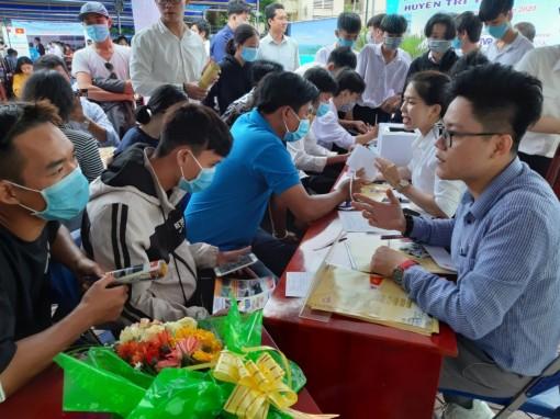 Gần 1.500 lao động Tri Tôn tìm kiếm cơ hội việc làm