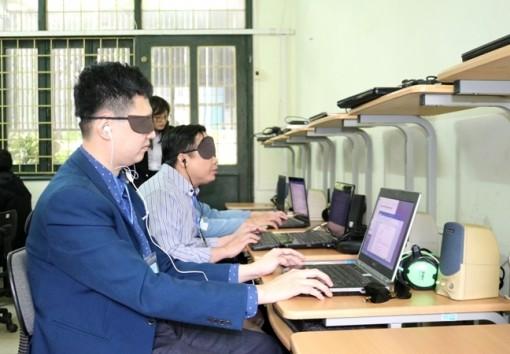 Người khiếm thị toàn quốc thi tài tin học