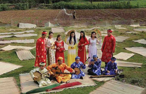 """Tân Châu – Điểm đến du lịch kỳ thú kỳ III: Thăm """"thủ phủ"""" cá giống, trải nghiệm du lịch tâm linh"""