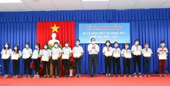 Trên 200 học sinh vượt khó học giỏi ở Châu Thành được trao tặng học bổng Xổ số kiến thiết An Giang