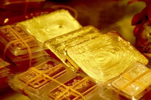 Giá vàng hôm nay 4-12: USD giảm xuống đáy, vàng tăng rực rỡ