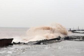 Cảnh báo mưa dông, gió mạnh và sóng lớn trên biển