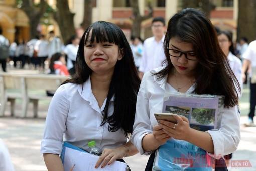 Chính phủ yêu cầu hướng dẫn học sinh sử dụng điện thoại trong giờ học